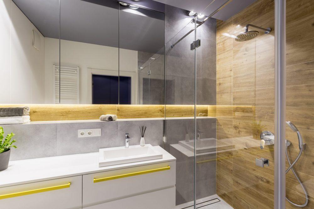 miroir sur mesure de salle de bain à Montréal, Laval et sur la Rive-Sud de Montréal - Vitrerie Léon Charlebois à Verdun